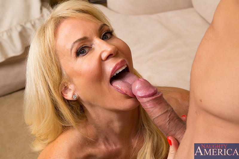 Horny cougar wants that young pussy 10