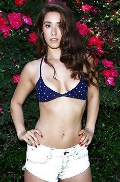 Eva Lovia Sexy Outdoor Nudes