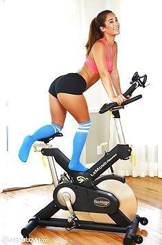 Sexy Exercise with Eva Lovia