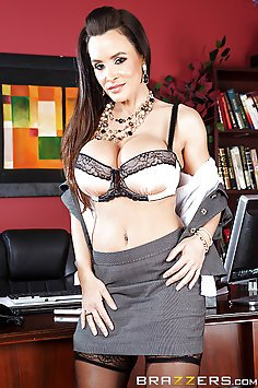 Lisa Ann Gets a Naughty Office Fuck