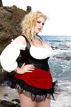 Ashley Sage Ellison Mega Busty