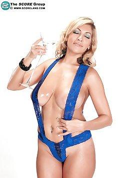 Hot MILF Kitana Flores