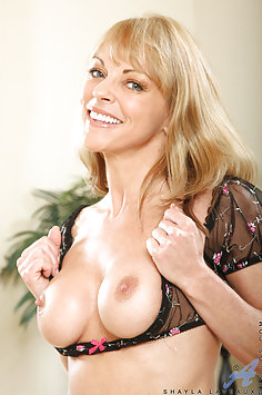Shayla LaVeaux The Horny Cougar