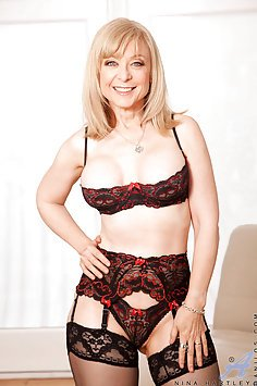 Nina Hartley Pleasures Her MILF Pussy