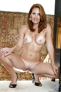 Hot Wife Spread Pussy