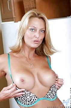 Hot MILF Brenda James Needs to Cum