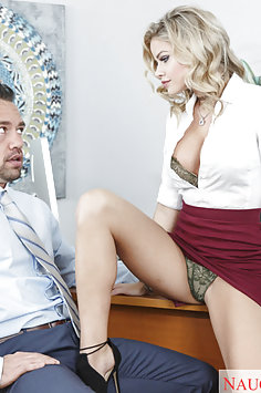 Jessa Rhodes Upskirt Seduction