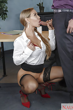 Nicole Aniston Stocking Wearing Cock SUcker