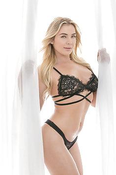 Blair Williams Hot Babe Loves Sex