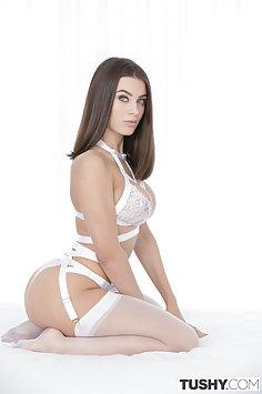 Lana Rhoades Black Cock In Her Ass