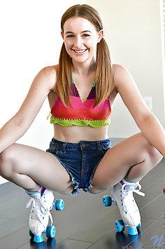 Danni Rivers Horny Teen Rollerskater