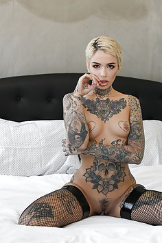 Tattoed Babe Loves Deep Anal