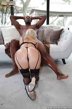 India Summer Hot MILF Loves Black Cock